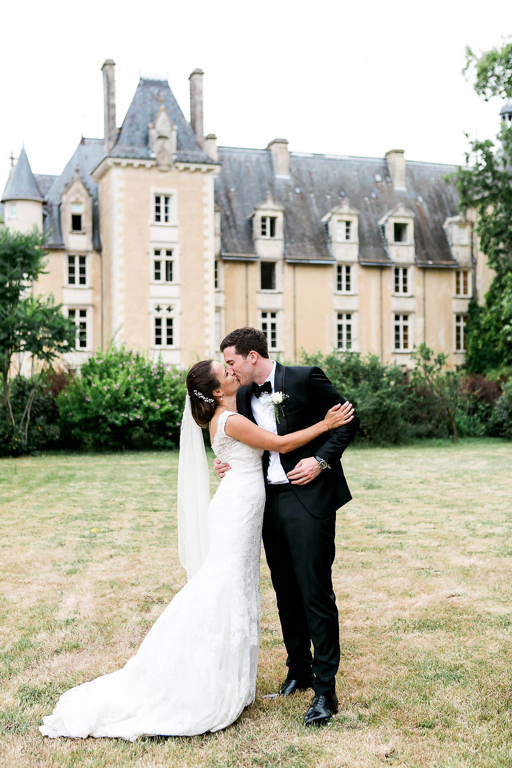 Couple portraits French Chateau Wedding Saint Julien l'Ars Loire Valley